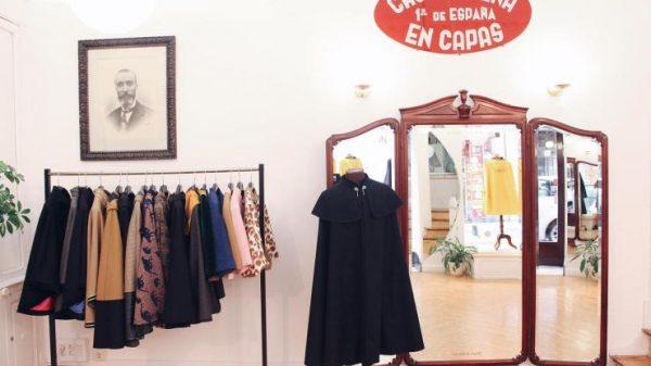 Capas Seseña, más de un siglo perfeccionando un icono de elegancia y modernidad, la capa