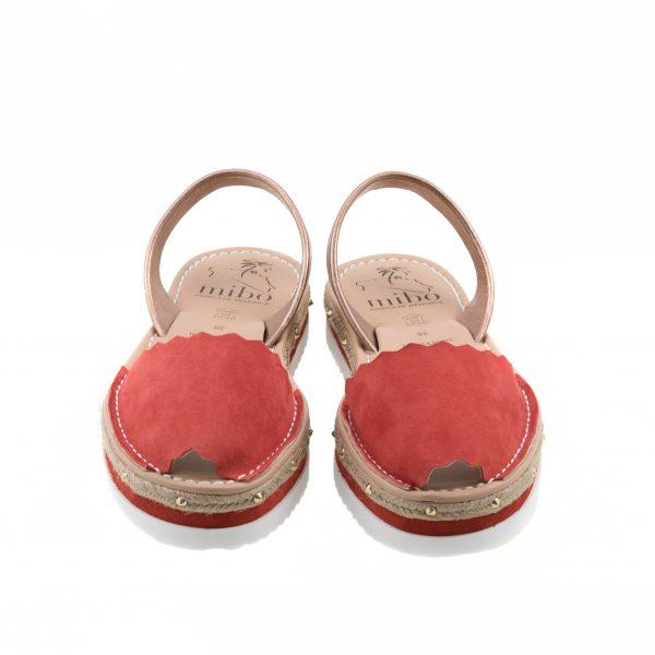 Las avarcas menorquinas son el calzado del verano