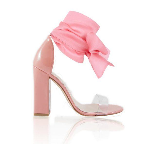 Ana Marttin fabrica sandalias y zapatos perfectos para momentos especiales, como es tu boda.