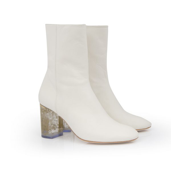 Custom & Chic, zapatos fabricados con técnicas artesanales