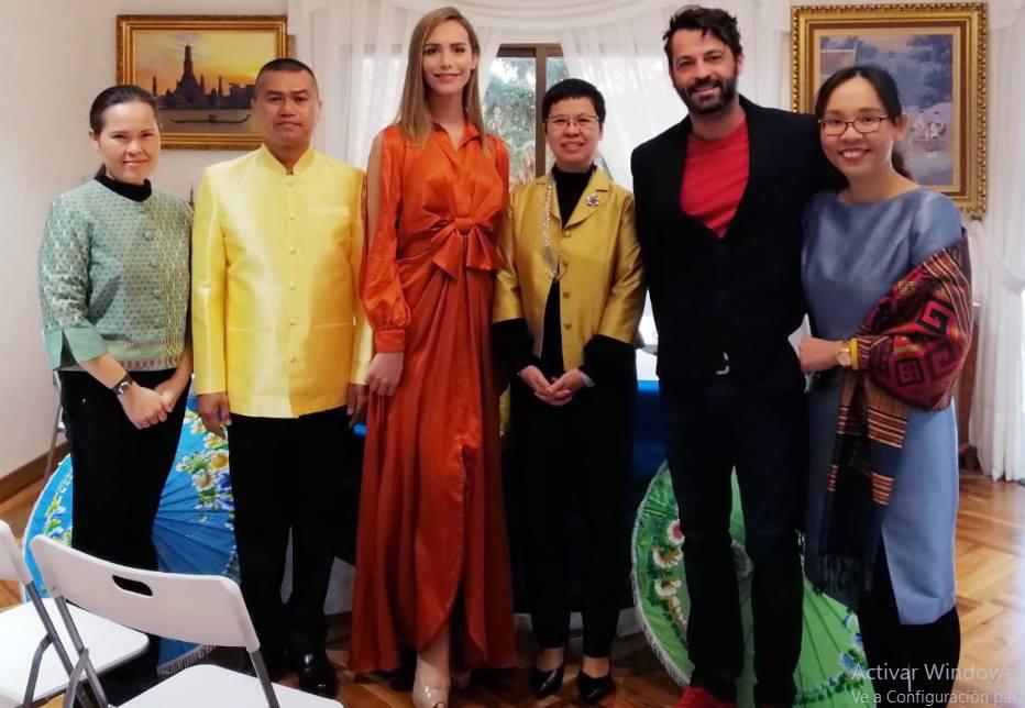 La moda española presente en la 8ª edición de la Fiesta de la Seda