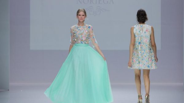 Esther Noriega desfila por primera vez en la Barcelona Bridal Fashion Week