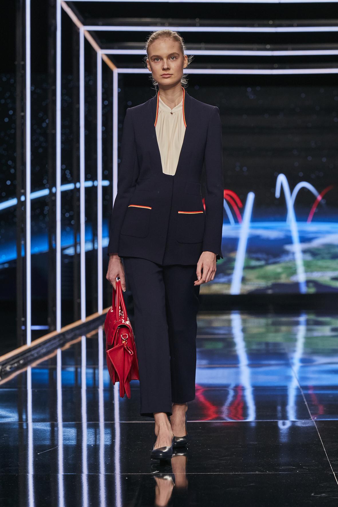 Iberia presenta los uniformes diseñados por Teresa Helbig en MBFWM