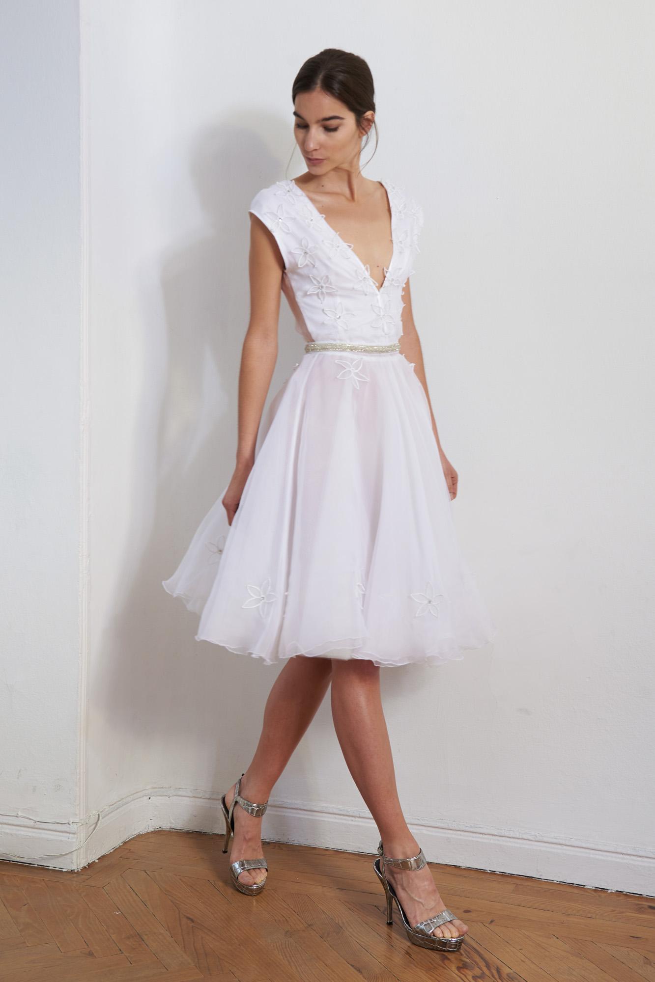 Los vestidos de novia de Zoraida Cases son totalmente artesanales