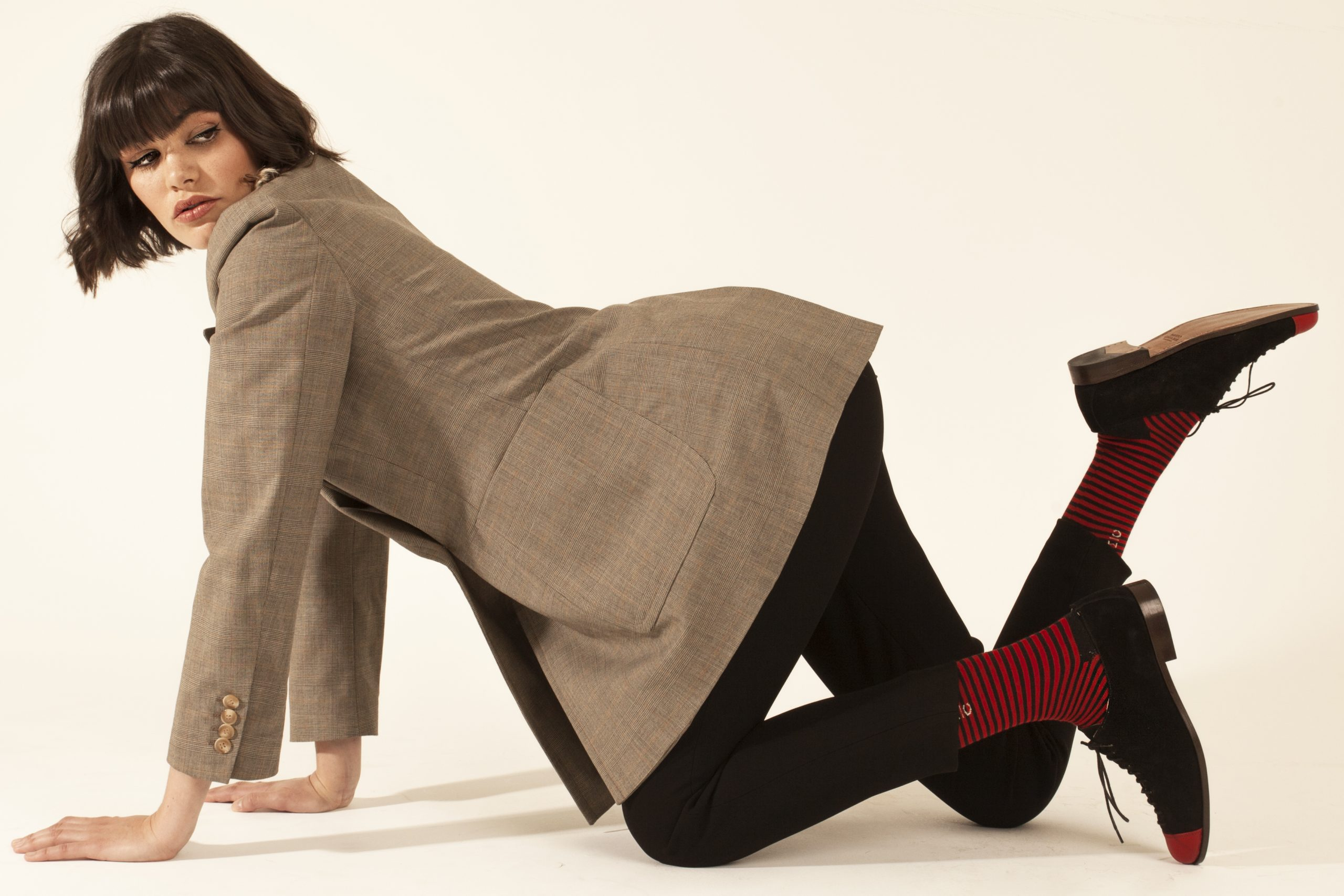 Los zapatos se reinventan con diseños atemporales para mujeres urbanas