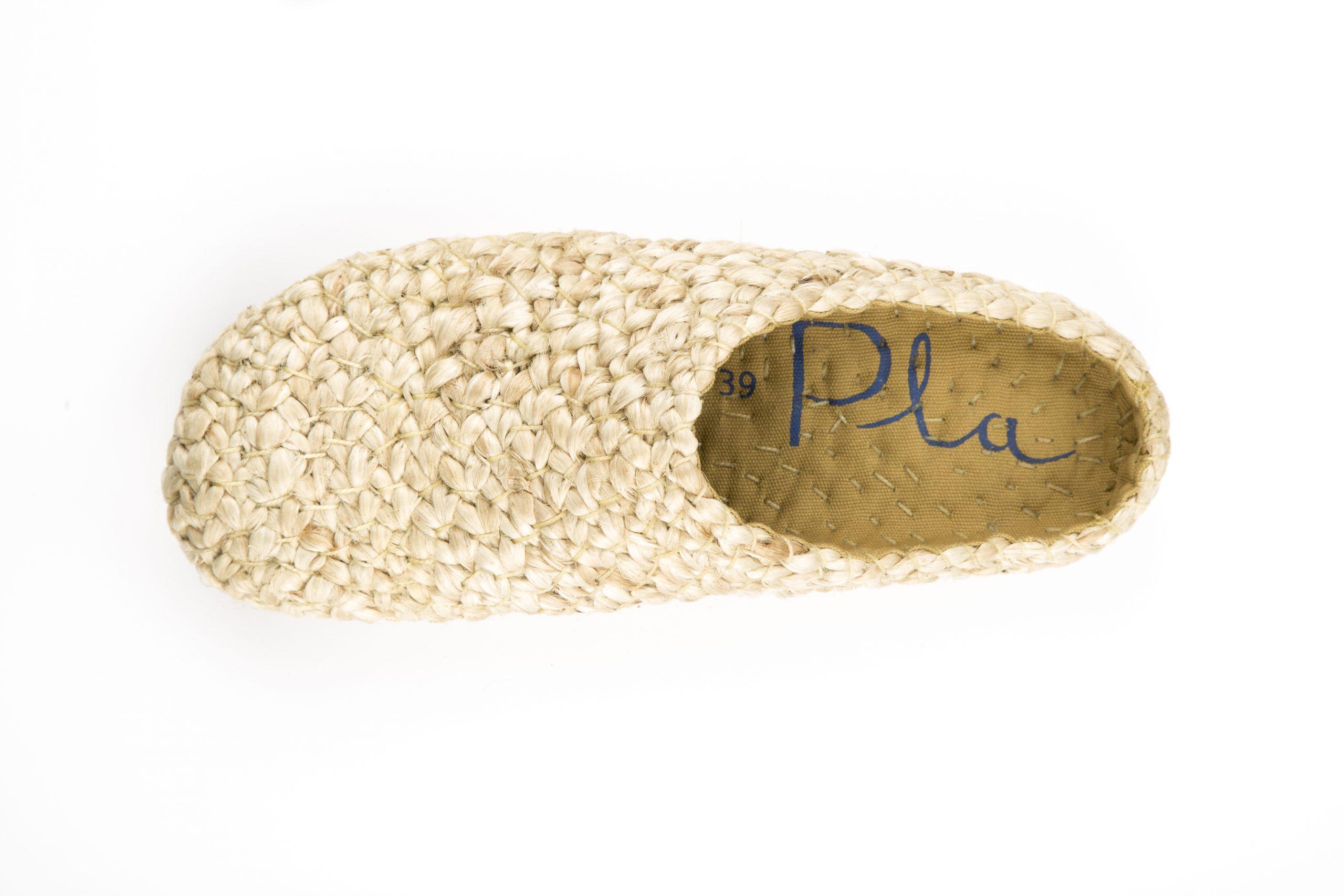 Zapatos Pla, producción artesanal con materiales naturales