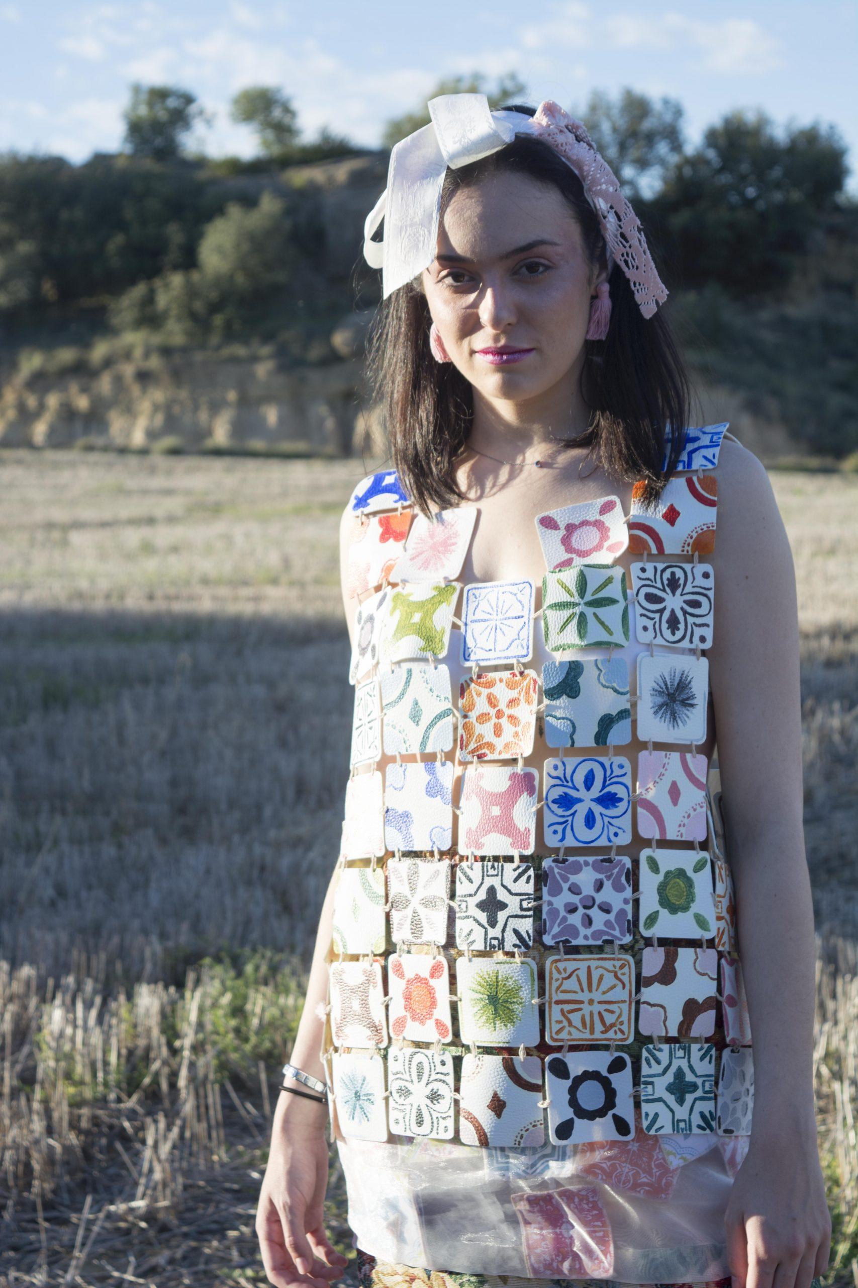 Adela Alfaro, firma española que materializa el costumbrismo añorado
