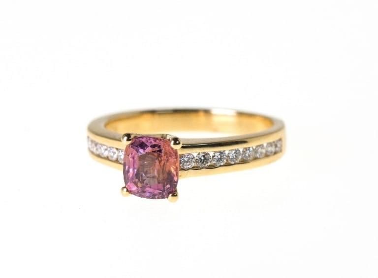 Un anillo de Lisi Fracchia