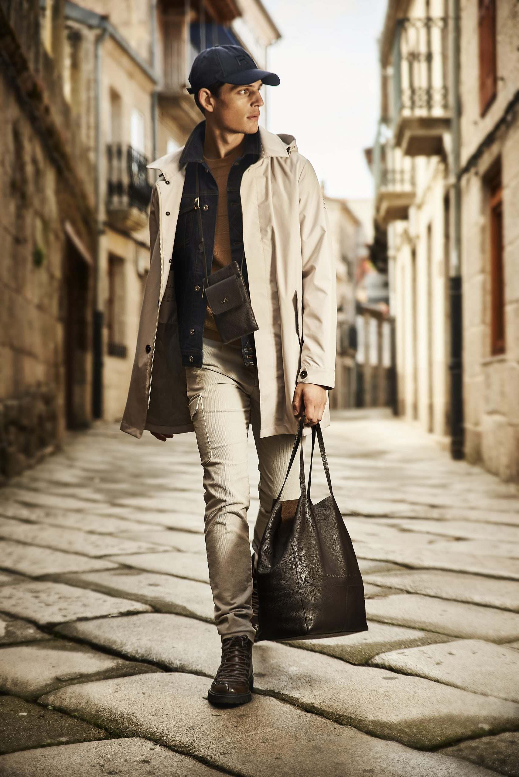 El diseñador español utiliza el camino como metáfora de vida